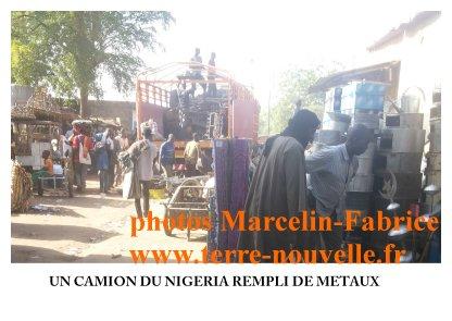 Marché de la récupération au Niger : un camion du Nigeria rempli de métaux