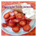 Salade de fraises et crème chantilly
