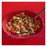 Salade tomates cerises concombre fromage de brebis oignon rouge