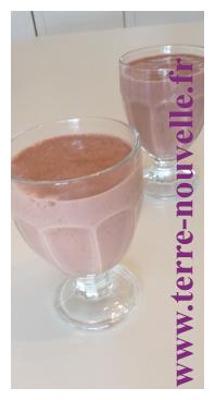 Shake framboise, cacao et lait d'amande : idéal pour le programme détox Clean