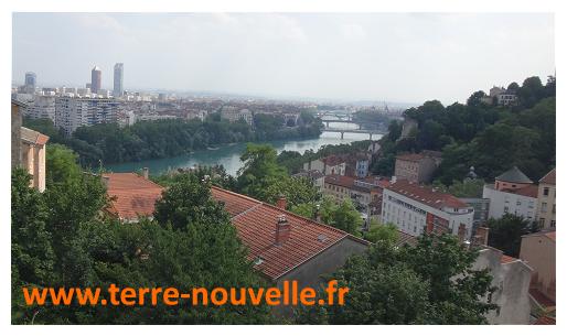 J'ai passé les 23 premières années de ma vie à Lyon. Puis, j'ai changé ma normalité...