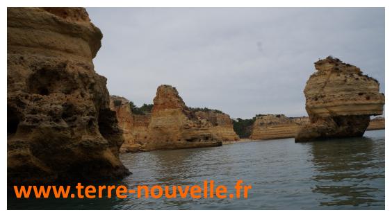 Les côtes féériques de l'Algarve, sud du Portugal