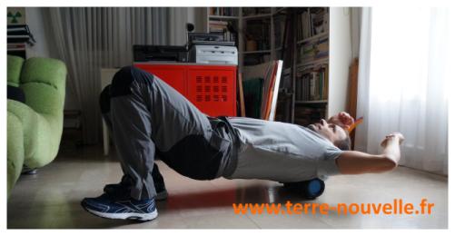 Auto-massage avec un rouleau de massage : comment se masser avec un rouleau de massage