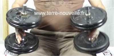 muscler l'ensemble du corps avec les haltères